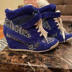 Sleek Sneaker wedge shoe